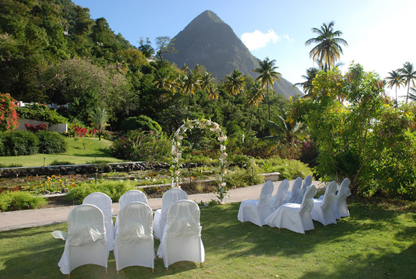 Ideas For The Tropical Themed Wedding WeddingElation