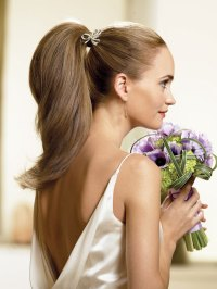 Hairstyle Ideas for Destination Wedding