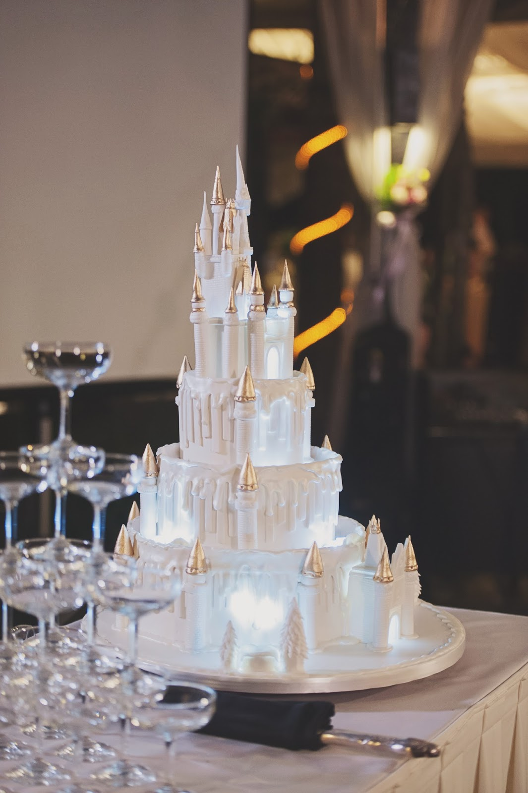 DisneyThemed Cakes Will Bring Some Magic To Your Wedding  WeddingElation