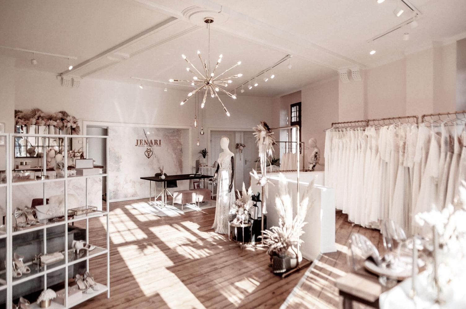 Jenari Storel I Jenari - Bridal Concept Store | Brautmoden Wuppertal-3