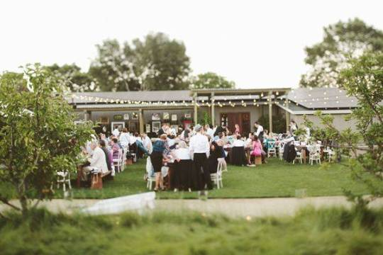 How To Keep Your Guests Comfy At Your Outdoor Wedding: Tips For Keeping Your Wedding Party And Guests Comfortable
