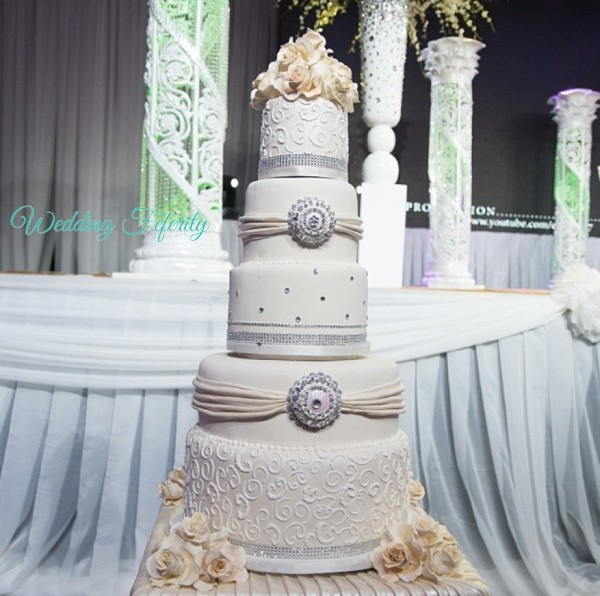 White Wedding Cake Nigeria 0