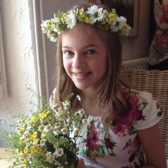 Hair cirlets and handties for flower girls