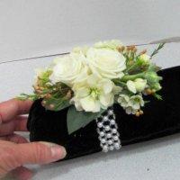 How to Make a Corsage - Easy DIY Wedding Flower Tutorials