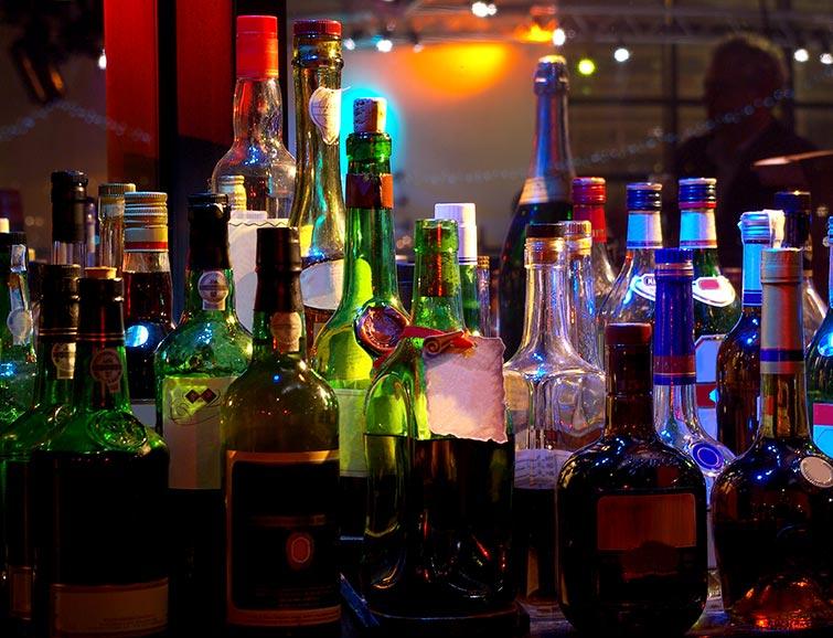 How to SetUp One Badass Wedding Reception Cocktail Bar  Wedding for 1000