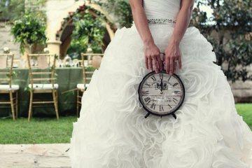 3 Ways to Slow Down Your Wedding Day - weddingfor1000.com