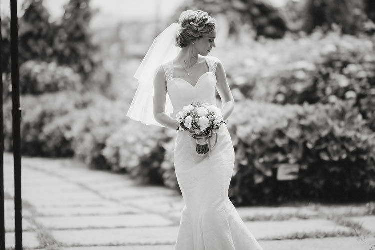 The Ugly Truth About Wedding Dresses - Wedding for $1000