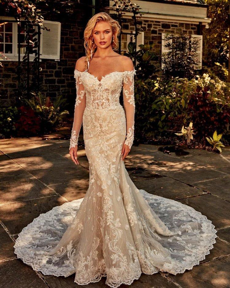váy cưới lệch vai nàng tiên cá với tay áo dài ren ảo ảnh đêm trước của bà
