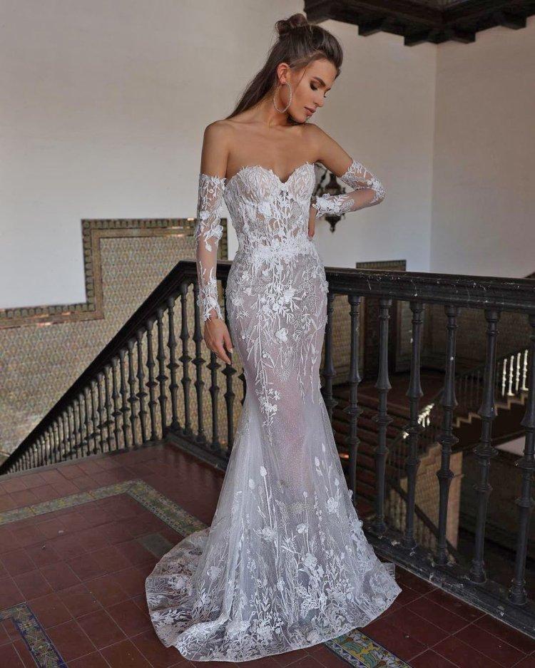 váy cưới lệch vai nàng tiên cá với tay áo quây cổ yếm tomsebastien