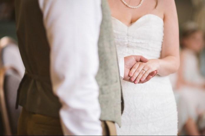 "wedding-vows-for-him ""width ="" 800 ""top ="" 533 ""srcset ="" https://i0.wp.com/www.weddingideasmag.com/wp-content/uploads/2012/05/wedding-vows-for-him.jpg?w=696&ssl=1 800w, https://www.weddingideasmag.com/wp-content/uploads/2012/05/wedding-vows-for-him-300x200.jpg 300w, https://www.weddingideasmag.com/wp-content/uploads /2012/05/wedding-vows-for-him-768x512.jpg 768w, https://www.weddingideasmag.com/wp-content/uploads/2012/05/wedding-vows-for-him-650x433.jpg 650w ""sizes ="" (max-width: 800px) 100vw, 800px ""/></p data-recalc-dims="