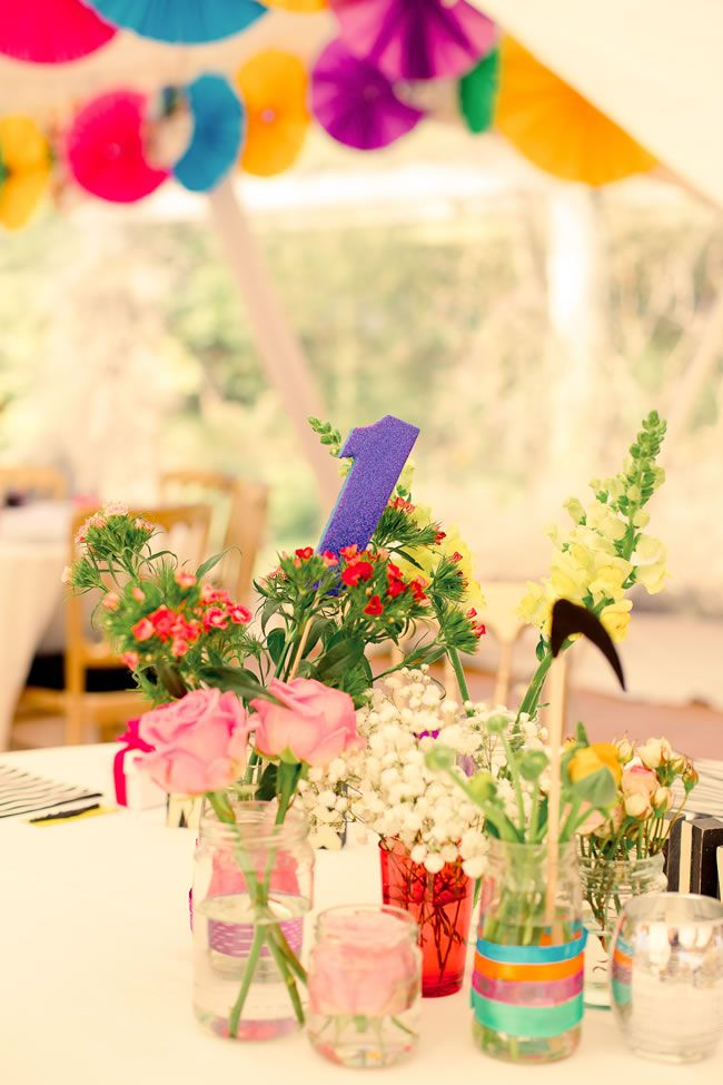 21-ways-to-decorate-your-wedding-venue-with-flowers-kerriemitchell.co.uk-1