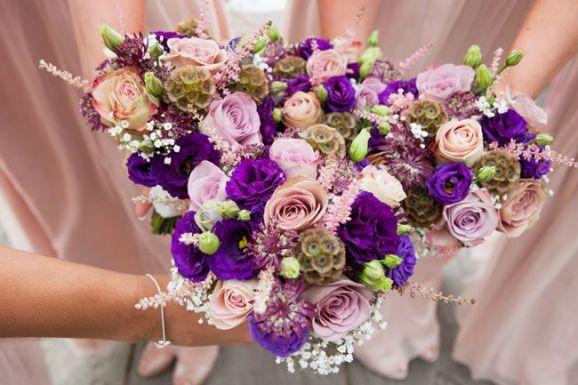 50 dos melhores buquês de casamento para noivas e empregadas domésticas © andreapickering.com