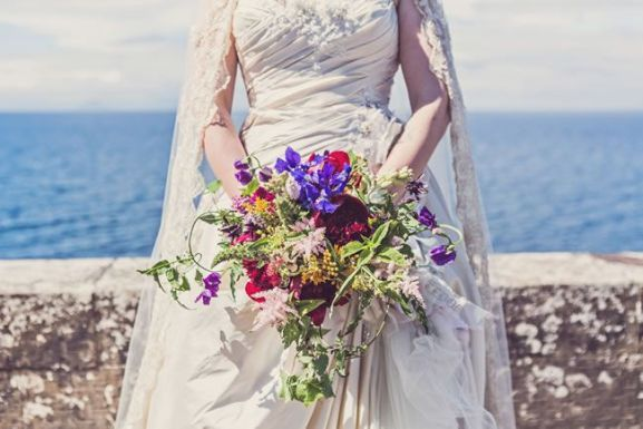 50 dos melhores buquês de casamento para noivas e empregadas domésticas © clairepennphotography.com