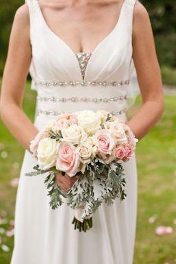 50 dos melhores buquês de casamento para noivas e empregadas domésticas © liamsmithphotography.com