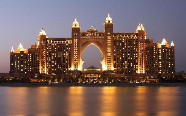 Dubai Atlantis Complex - 5 Unbelievable Luxury Honeymoons From Around the World