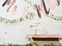 Nail the trend AND have a super stylish, ultra romantic wedding with these copper wedding decorations without blowing your budget!