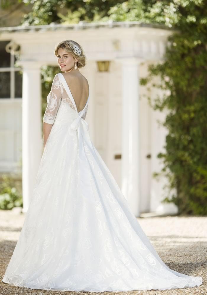 Pretty Gowns Weddings