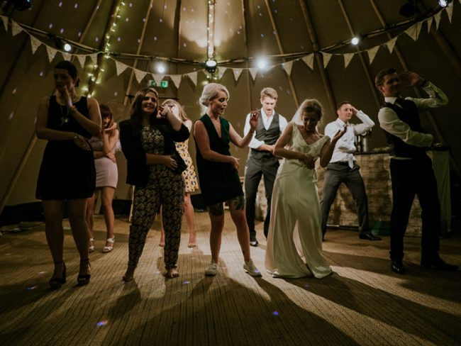 110 Wedding Entertainment Ideas That Will Wow Your Guests dance routine