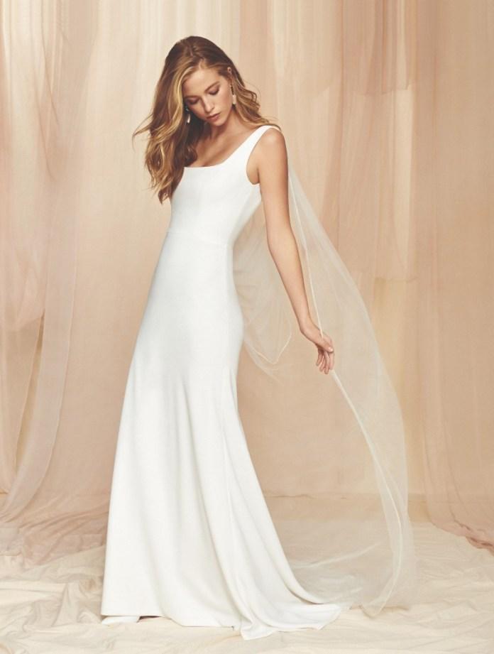 "square-neck-wedding-dresses-new-york ""width ="" 800 ""peak ="" 1059 ""srcset ="" https://www.weddingideasmag.com/wp-content/uploads/2017/10/square-neck-wedding -dresses-new-york.jpg 800w, https://www.weddingideasmag.com/wp-content/uploads/2017/10/square-neck-wedding-dresses-new-york-227x300.jpg 227w, https: / /www.weddingideasmag.com/wp-content/uploads/2017/10/square-neck-wedding-dresses-new-york-768x1017.jpg 768w, https://www.weddingideasmag.com/wp-content/uploads/ 2017/10 / square-neck-wedding-dresses-new-york-604x800.jpg 604w ""sizes ="" (max-width: 800px) 100vw, 800px ""/> <figcaption id="