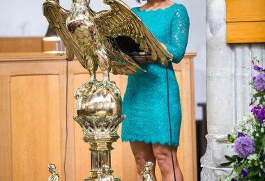 Religious Wedding Readings: 6 Romantic Ideas For Your Religious Ceremony