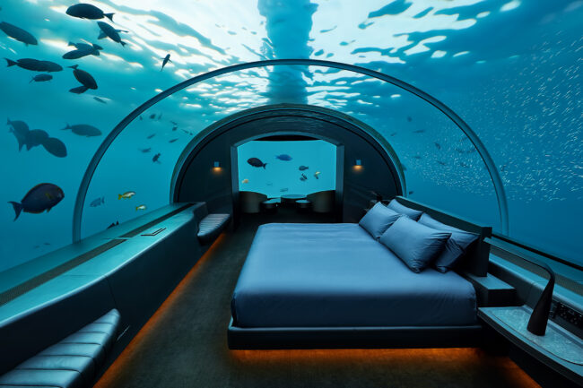underwater-bedroom-the-muraka-luxury-honeymoons