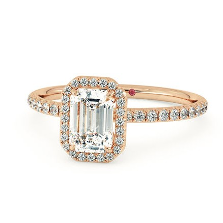 rose-gold-engagement-ring-trend-taylor-hart