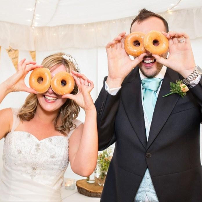 "wedding-donuts-krispy-creme ""width ="" 800 ""top ="" 800 ""srcset ="" https://i0.wp.com/www.weddingideasmag.com/wp-content/uploads/2020/01/wedding-doughnuts-krispy-kreme.jpg?w=696&ssl=1 800w, https://www.weddingideasmag.com/wp-content/uploads/2020/01/wedding-doughnuts-krispy-kreme-150x150.jpg 150w, https://www.weddingideasmag.com/wp-content/uploads /2020/01/wedding-doughnuts-krispy-kreme-300x300.jpg 300w, https://www.weddingideasmag.com/wp-content/uploads/2020/01/wedding-doughnuts-krispy-kreme-768x768.jpg 768w , https://www.weddingideasmag.com/wp-content/uploads/2020/01/wedding-doughnuts-krispy-kreme-650x650.jpg 650w ""sizes ="" (max-width: 800px) 100vw, 800px ""/></p data-recalc-dims="