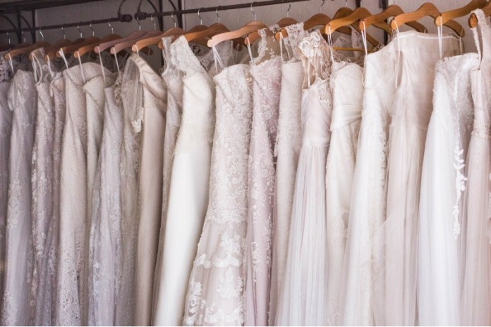 "at-home-wedding-prep-dress-shopping-online ""width ="" 800 ""peak ="" 533 ""srcset ="" https://www.weddingideasmag.com/wp-content/uploads/2020/03/at-home -wedding-prep-dress-shopping-online.jpg 800w, https://www.weddingideasmag.com/wp-content/uploads/2020/03/at-home-wedding-prep-dress-shopping-online-300x200. jpg 300w, https://www.weddingideasmag.com/wp-content/uploads/2020/03/at-home-wedding-prep-dress-shopping-online-650x433.jpg 650w, https: //www.weddingideasmag. com / wp-content / uploads / 2020/03 / at-home-wedding-prep-dress-shopping-online-768x512.jpg 768w ""sizes ="" (max-width: 800px) 100vw, 800px ""/></p data-recalc-dims="