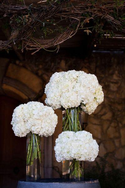 21 Simple Yet Rustic DIY Hydrangea Wedding Centerpieces
