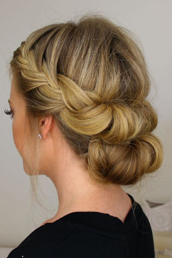 24 Lovely Mediumlength Hairstyles For 2019 Weddings  Page 2