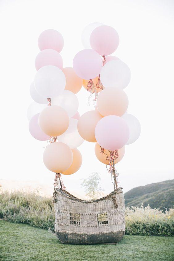 24 Fun And Creative Balloon Wedding Decoration Ideas