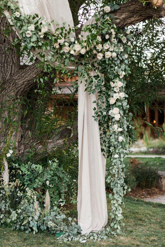 18 Stunning Tree Wedding Backdrop Ideas For Ceremony