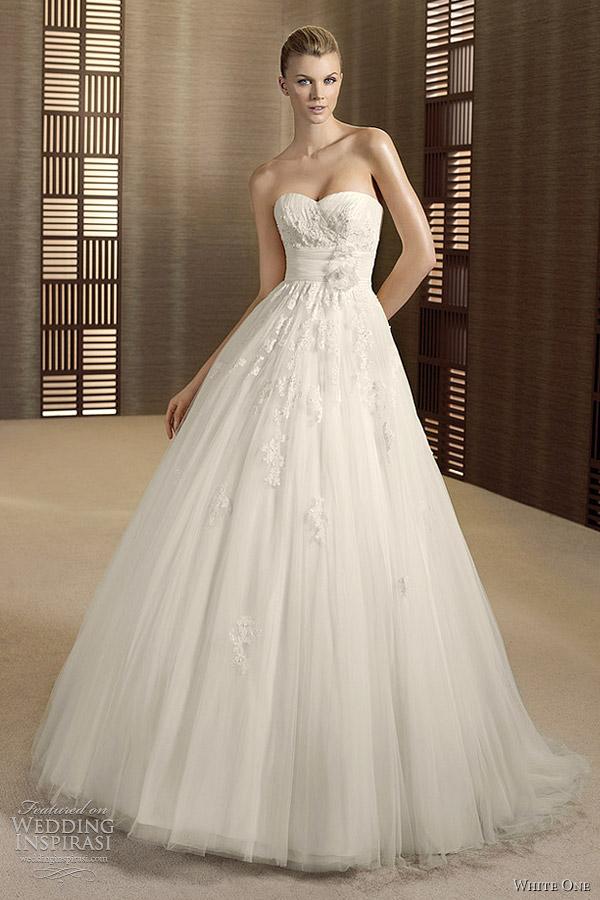 White One Wedding Dresses 2012  Wedding Inspirasi