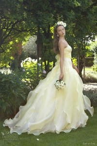 Cheap Yellow And White Wedding Dresses