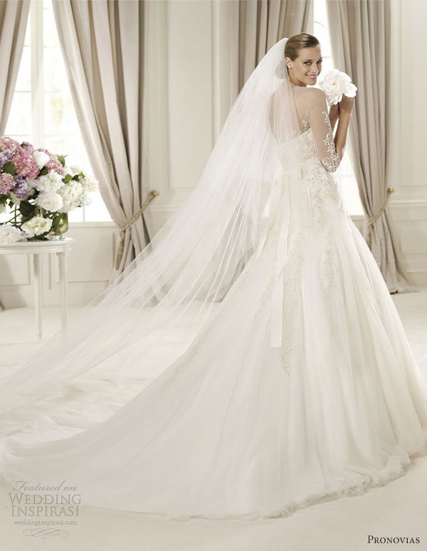 Pronovias 2013 Glamour Bridal Collection Wedding Inspirasi