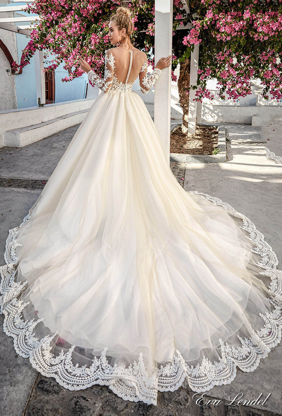 Sheer Neckline Wedding Dress
