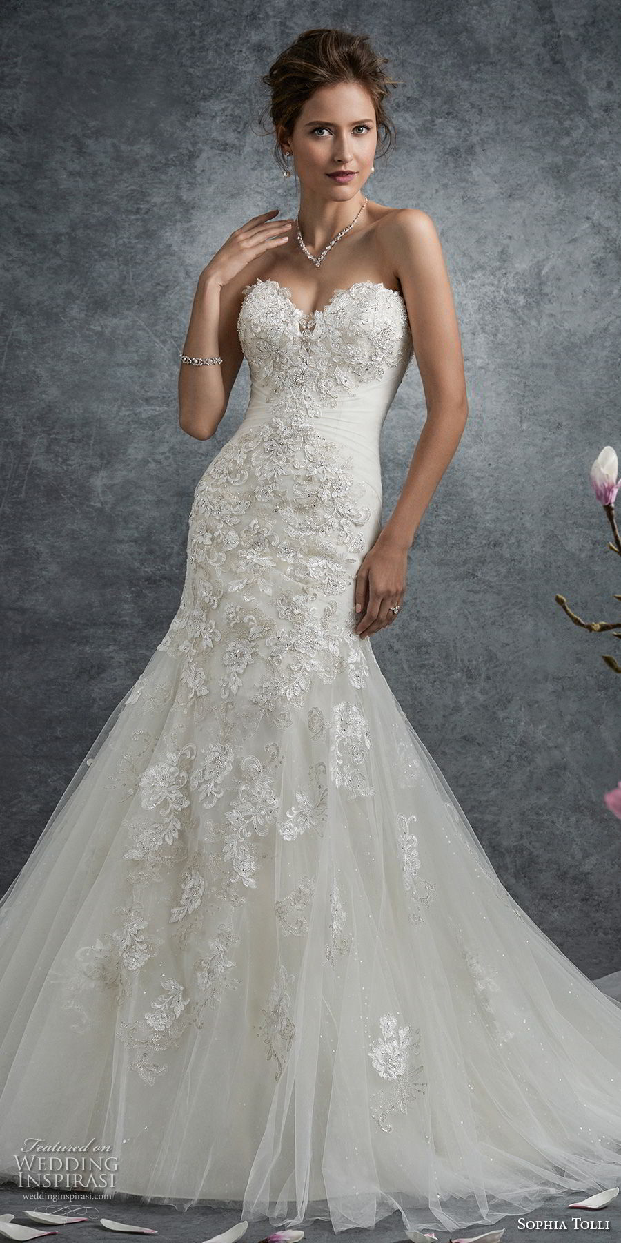 Wedding Dress Embellished And Line Neckline Lace Tulle Soft Fit Sweetheart And Flare