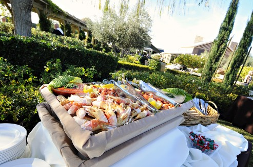10 Delicious Buffet Options for Outdoor Wedding