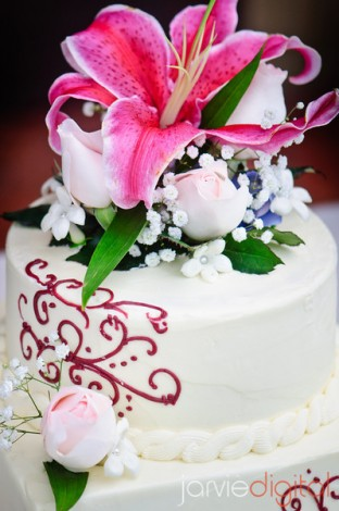 Wedding cake for LDS weddings
