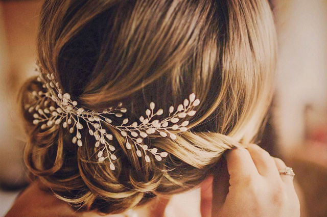 bridal hair comb style