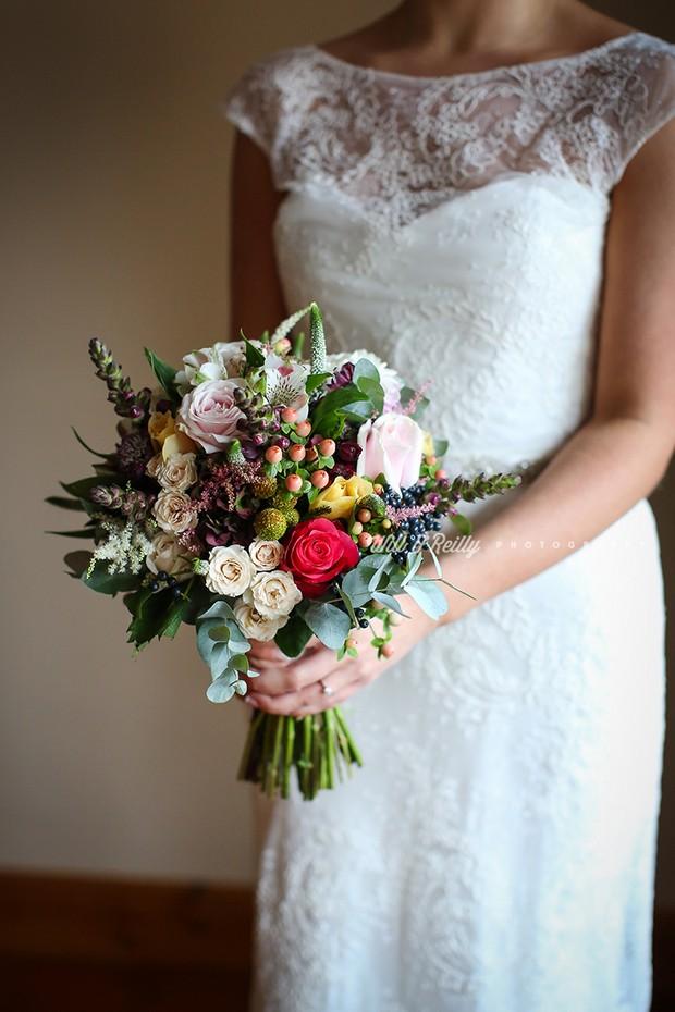 23 Beautiful Wedding Bouquets for Winter Brides  weddingsonline