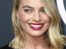 10 Fab Beauty Looks from the 2018 Golden Globes images 1