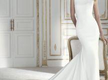 17 Chic, Minimal Wedding Dresses for Modern Brides images 10
