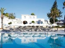Lisa Cannon on Her Trip to Stunning Cyprus – A Fab Destination for Honeymooners or Hen Parties images 1