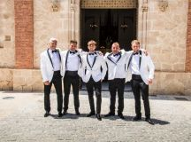 A Traditional Sun-Filled Wedding by Lyndyloo in Spain images 29