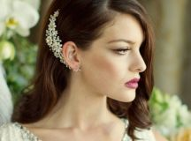 20 Beautiful Hair Combs for Vintage-Loving Brides images 2
