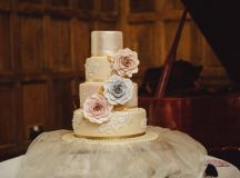 10 Things to Think About When Choosing Your Wedding Cake images 0