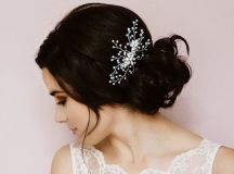 20 Beautiful Hair Combs for Vintage-Loving Brides images 19
