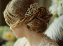 20 Beautiful Hair Combs for Vintage-Loving Brides images 3
