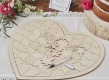 13 Gorgeous Wedding Guest Books You Can Pick Up Now! images 1
